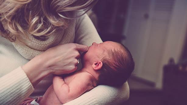 Doğum sonrası depresyonla nasıl mücadele edilir?