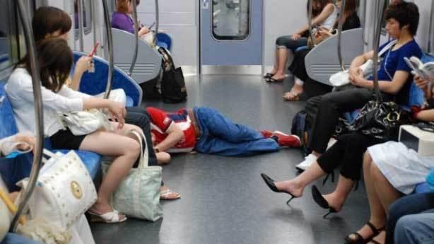 Japonların ilginç uyuma sanatı: İnemuri