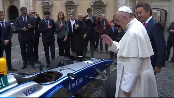 """""""Papa'dan kutsanmış 2. el araç. Kutsama takıntısı olan aramasın"""""""