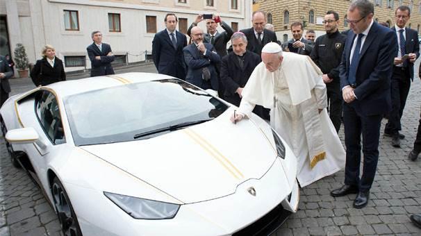 Papa'ya hediye edilebilir