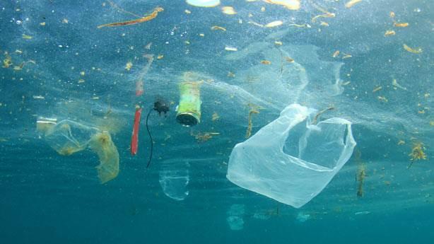 1. Denizlerde ne kadar plastik atık bulunuyor?