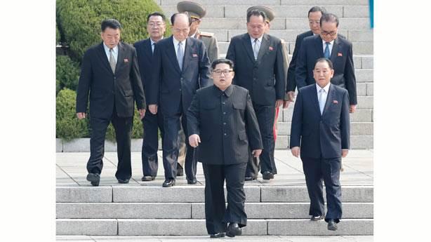 Her detayıyla gerçek bir Kuzey Koreli
