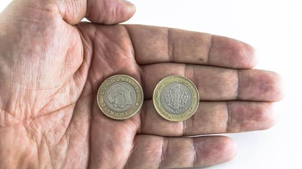 Yaşayan birinin resmi paraya basılmazdı
