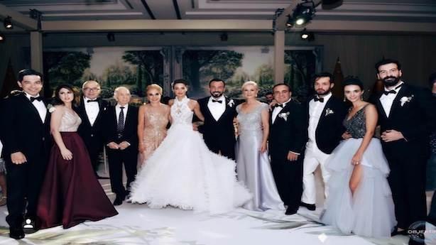 Bensu Soral Ve Hakan Başın Kalabalık Düğünü