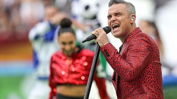 1- Robbie Williams