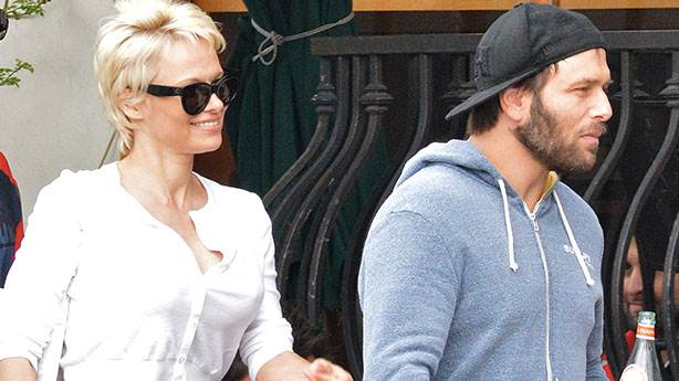 4- Pamela Anderson & Rick Salomon: 2 AY