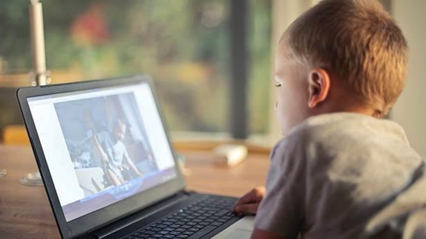 Ekran sayısı arttıkça bağımlılık artıyor
