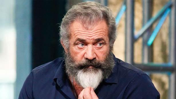 5- Mel Gibson - Batman