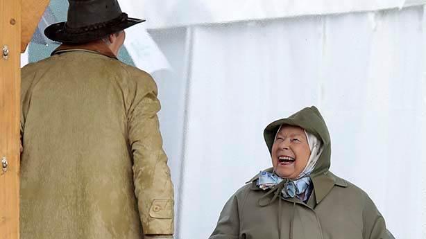 Şimdi sırada Kraliçe Elizabeth var