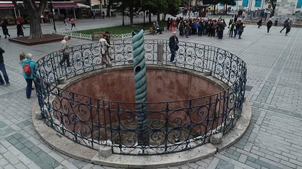 İstanbul'u yılandan koruyor