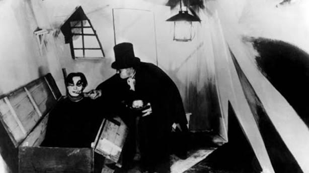 Das Cabinet des Dr. Caligari (Dr. Caligari'nin Muayenehanesi) - 1920 (IMDb: 8.1)