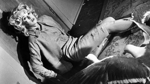 Birds (Kuşlar) - 1963 (IMDb: 7.7)<br /> &nbsp;
