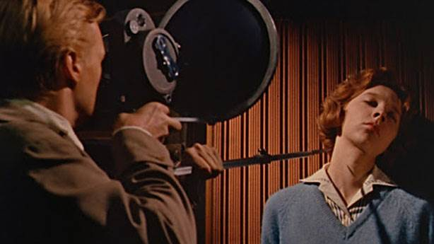 Peeping Tom (R&ouml;ntgenci) - 1960 (IMDb: 7.7)<br /> &nbsp;