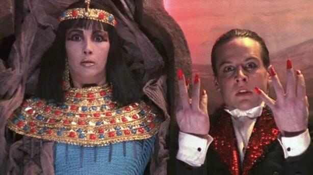 Santa Sangre (Kutsal Kan) - 1989 (IMDb: 7.6)<br /> &nbsp;
