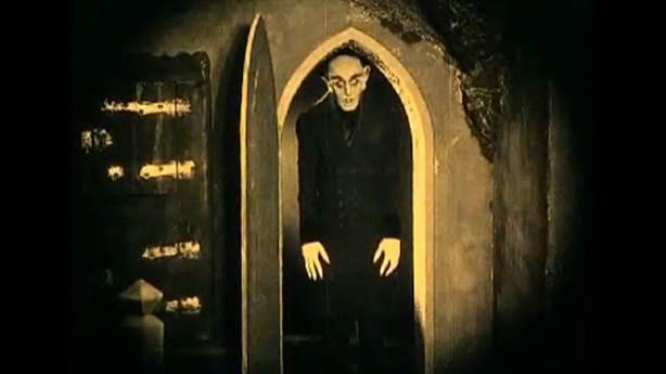 Nosferatu - 1922 (IMDb: 7.9)