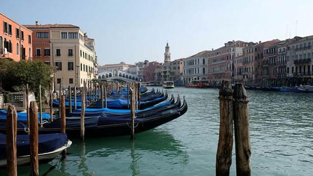 Venedik kanalları coşkulu...