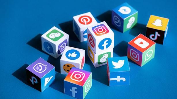 Sosyal medyanın riyakâr bir tarafı da var