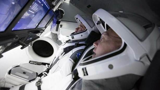 'Crew Dragon' kapsülü, 'Falcon 9' roketiyle fırlatılacaktı