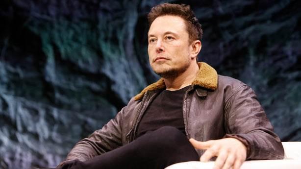 Elon Musk'ın uzaya gitmek isteyen birçok müşterisi bulunuyor