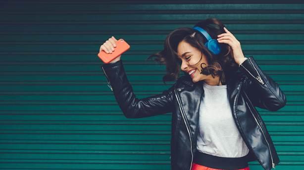 7- En sevilen şarkıyı üst üste dinlemek