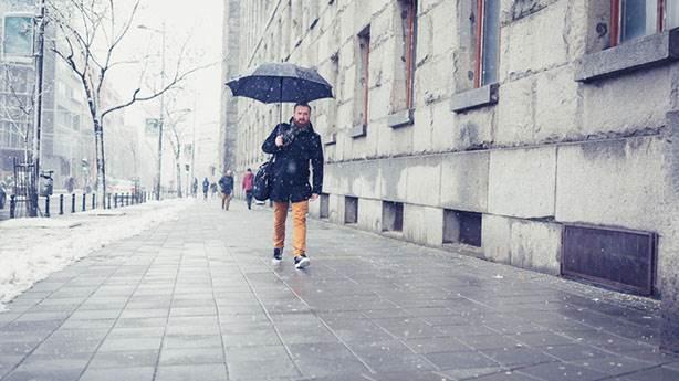 10- Kaldırımı ıslatan yağmurun kokusu