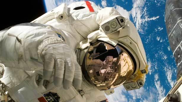 Uzayda kıyafetsiz dolaşırsak v&uuml;cudumuz patlar<br /> &nbsp;