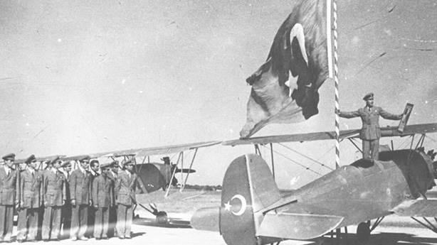 1- İlk yolcu uçağı seferi
