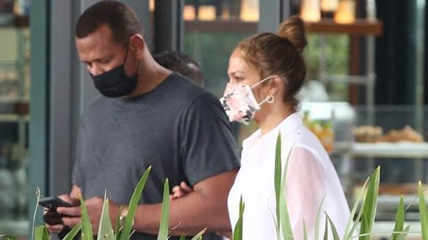 Jennifer Lopez'den Dominik paylaşımı