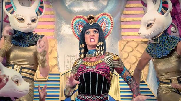 Katy Perry'den radikal saç değişimi