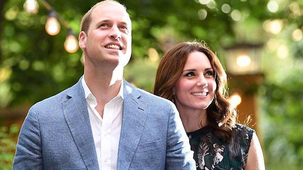Prens William ve Kate Middleton'dan 10. yıl pozları