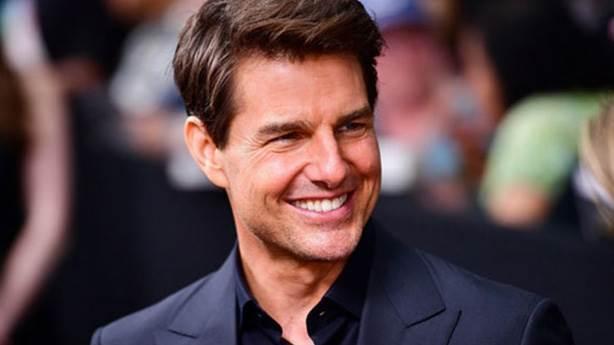 Tom Cruise 'Altın Küre' ödüllerinin üçünü de iade etti