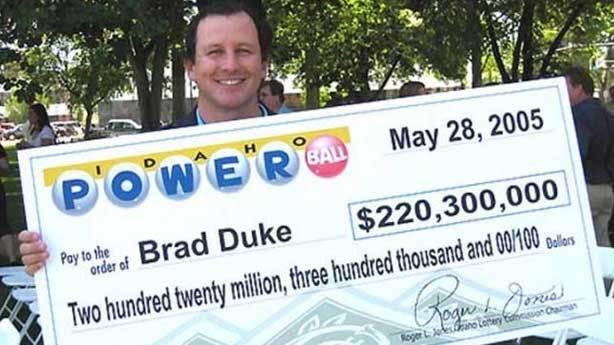 Brad Duke - 220 milyon dolar