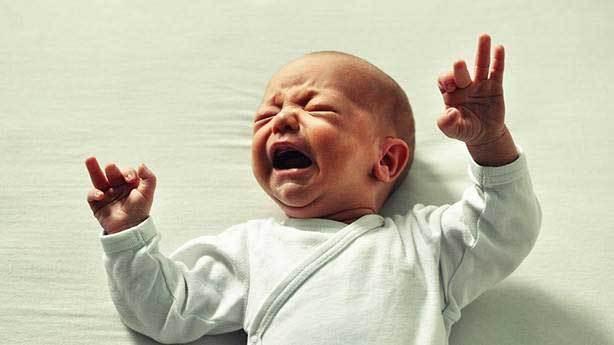 Yeni doğan bebekler gözyaşı dökemez