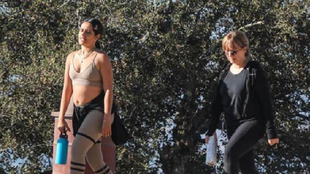 Camila Cabello'ya göbek linci