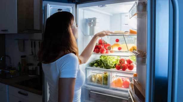 7- Buzdolabına boş bakmak