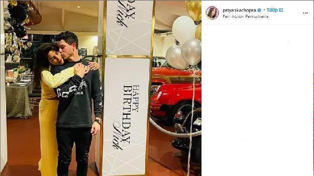 Priyanka Chopra'dan Nick Jonas'a yeni yaş kutlaması