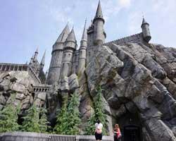 Dünyanın beklediği Harry Potter parkı açıldı