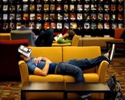 Uyumadan önce kitap okumayı sevenler için özel yatak odaları
