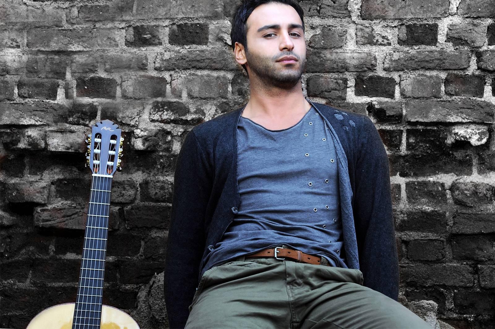 Eurovision'da birinci olacak şarkı neden Emre Kaya'da?