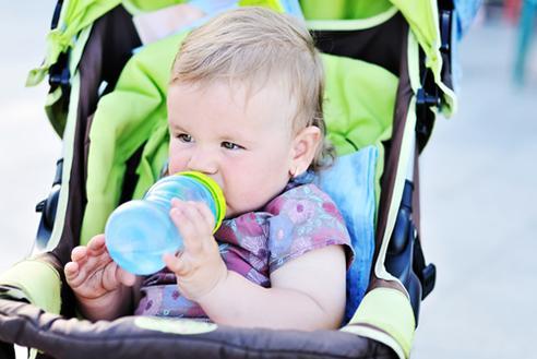 İlk 6 ayda bebeğin her ay düzenli olarak doktor tarafından kontrol edilmesi ( sağlam çocuk takibi )