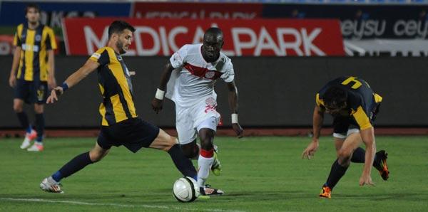 8 gollü maçın galibi Antalya!