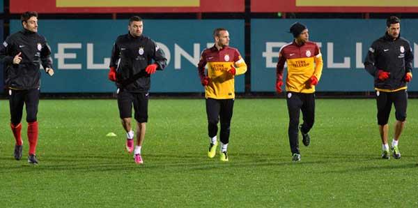 Burak ve Sneijder idmanda kavga etti iddiası
