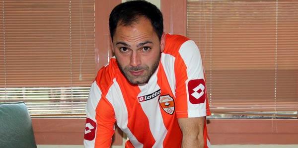 Selçuk Şahin Adanaspor'a imza attı