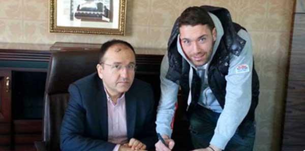 Aykut Öztürk Sivasspor'da!