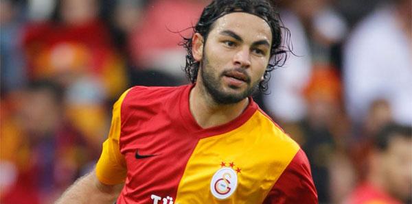 22:32 Galatasaray Selçuk İnan'ın sözleşmesini uzattı!