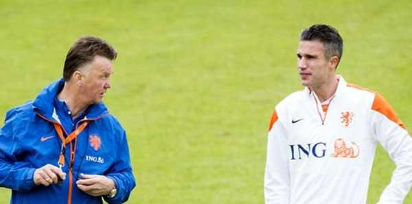 22:10 Van Persie: En iyisi Hollanda