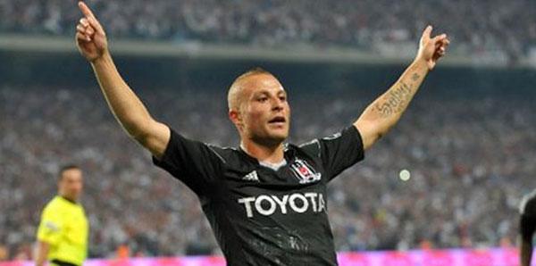 Beşiktaş, Gökhan Töre'yi resmen açıkladı