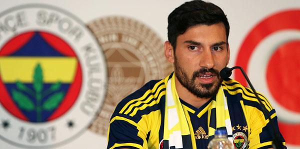 Fenerbahçe'de Şener Özbayraklı imzayı attı!