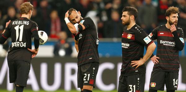 Tayfun Korkut, Leverkusen'de 1 puanla başladı
