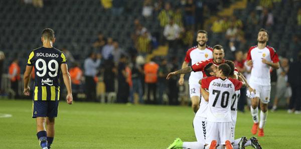 Vardar, UEFA Avrupa Ligi'ne en kötü takım olarak veda etti!